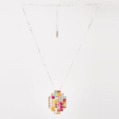 Colgante Nelumbo sixties colgante de cuero y plata vista completa.