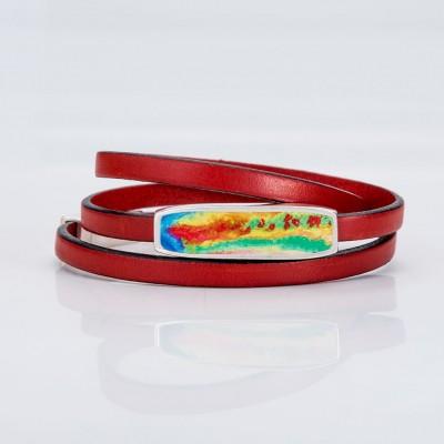 Vista frontal de una pulsera vuelta de tiras de la colección Splash Spring.