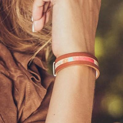 pulsera casual de nelumbo ideal para el otoño con cierre magnético de plata